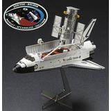 1/200 Hubble Space Telescope & Space Shuttle Orbiter w/Astronaut (w/Patch)
