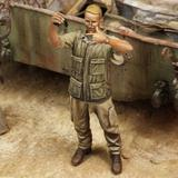 1/35 US Soldier Taking Selfies